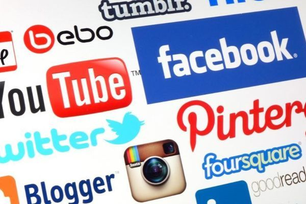 5 Tips for Being a Better Social Media Stranger