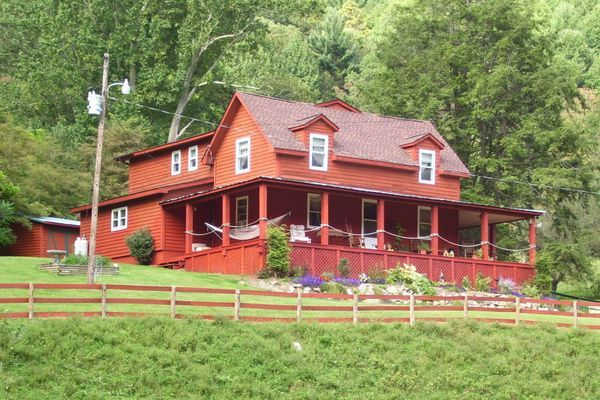 Inside Look: Mountain Harbour Bed and Breakfast in Roan Mountain, TN