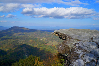 [Updated] Man Dies After 100-Foot Fall from McAfee Knob Summit