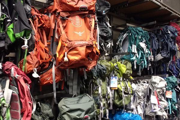 Cinder-elly Cinder-elly, get fitted for a pack before hiking Cinder-elly
