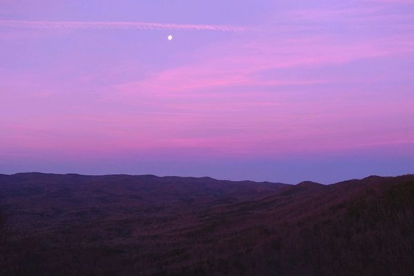 The 3 W's of the Appalachian Trail. Why, When, What?