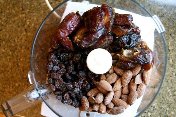 Trail Food Recipe: Date Logs