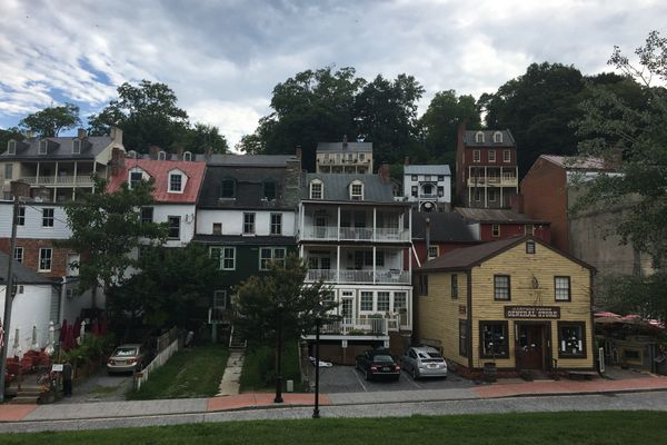 Cue Vanessa Carlton – 1000 Miles and Harper's Ferry
