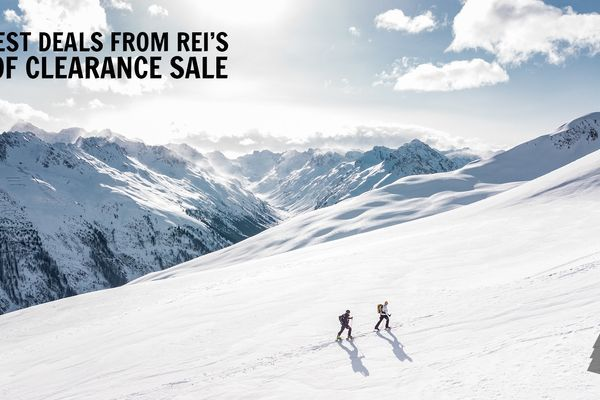 The Best Deals for Backpackers at REI's Year-End Clearance Sale