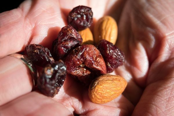 My Five Favorite Hiking Foods That I Eat Every Day